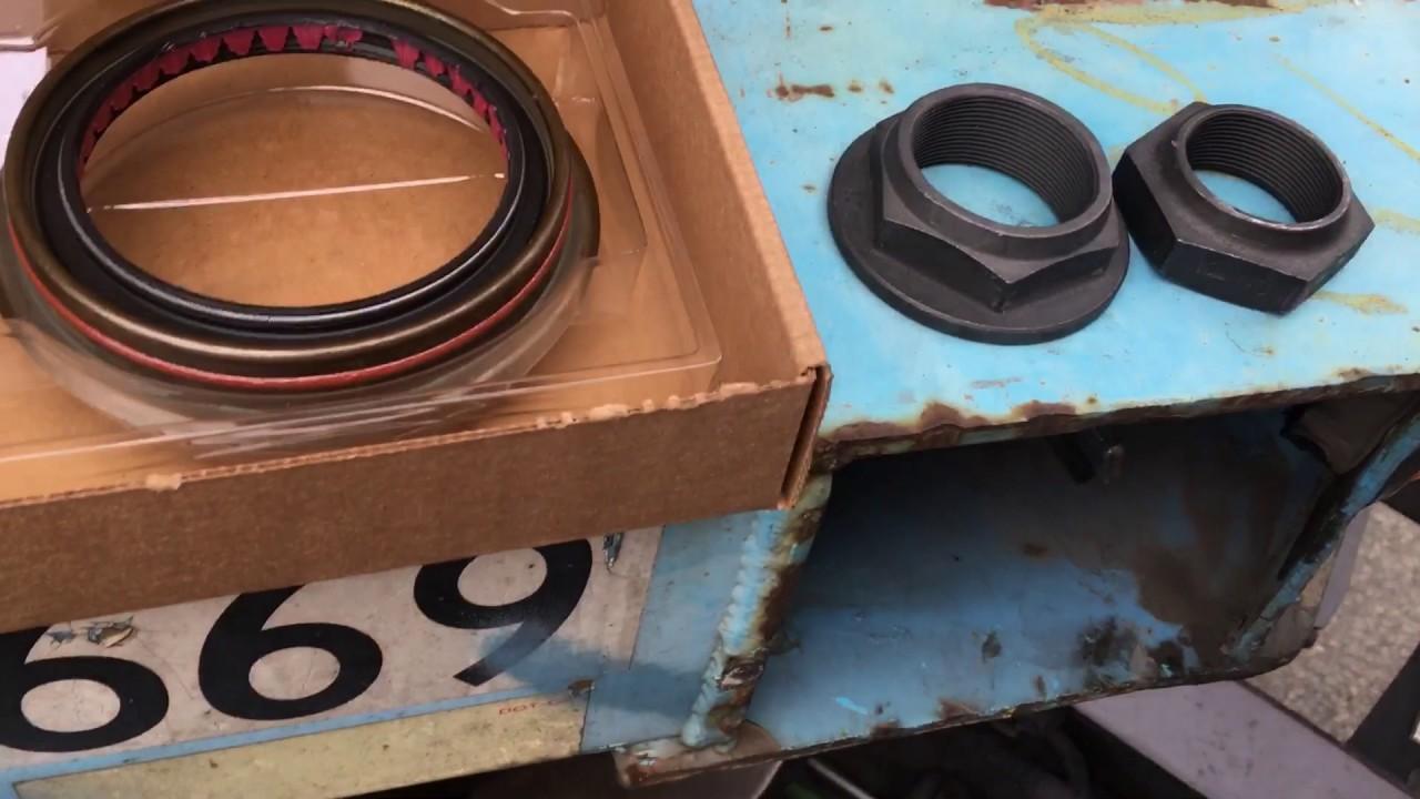Freightliner replacing axle seal