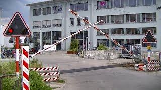 Spoorwegovergang Köniz (CH) // Railroad crossing // Bahnübergang