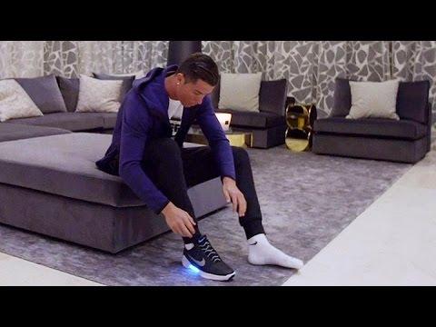 Nike presentó las zapatillas autoajustables con Cristiano Ronaldo de modelo ecf4e0bdbe773