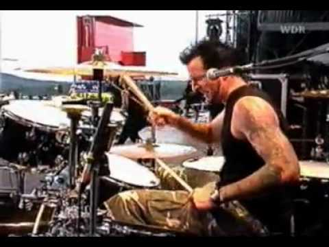 07 - Drowning pool - Tear Away (live rock am ring 2002).mp4