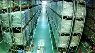 Man on forklift make whole warehouse collapse