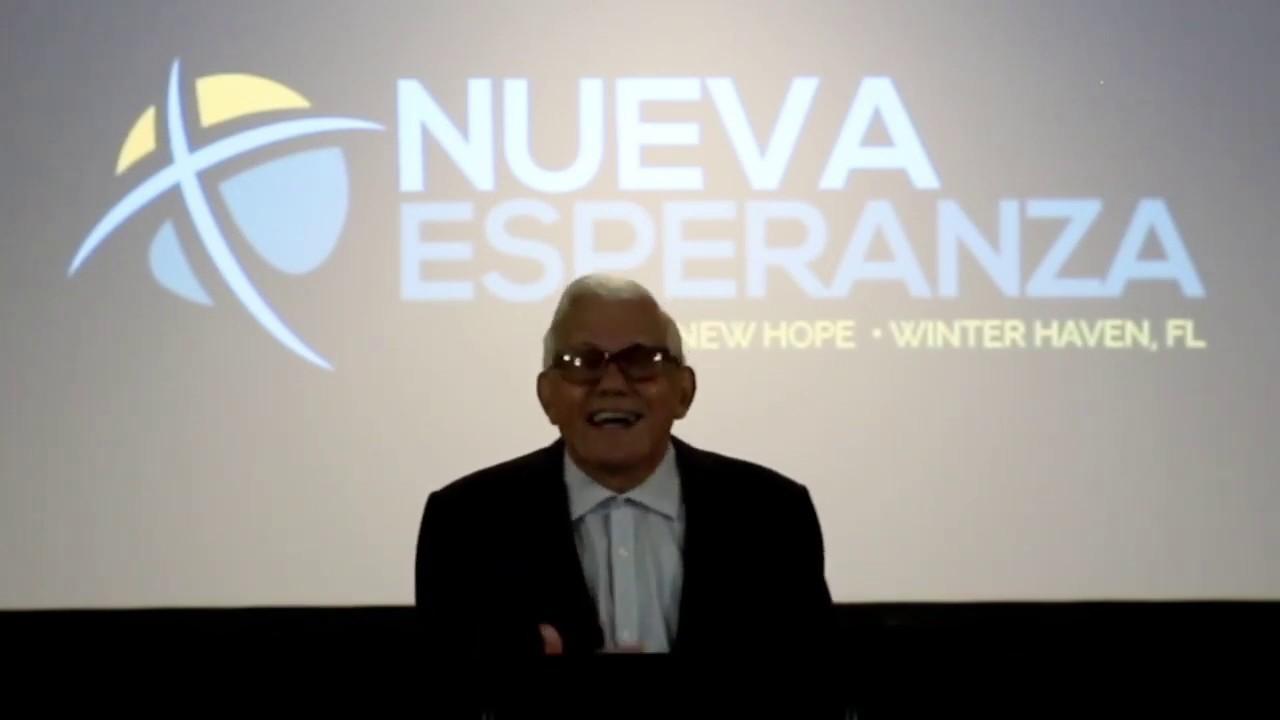 Hermano Alfredo Rodriguez predicando la Palabra