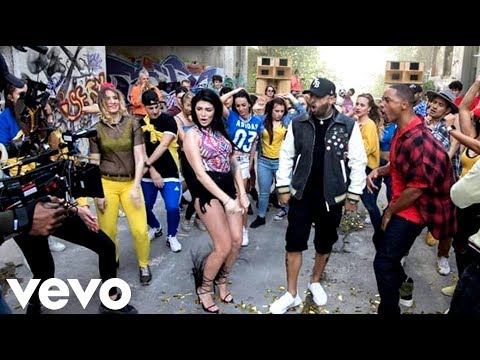 Live It Up ( TRAS CAMARAS) - Nicky Jam...