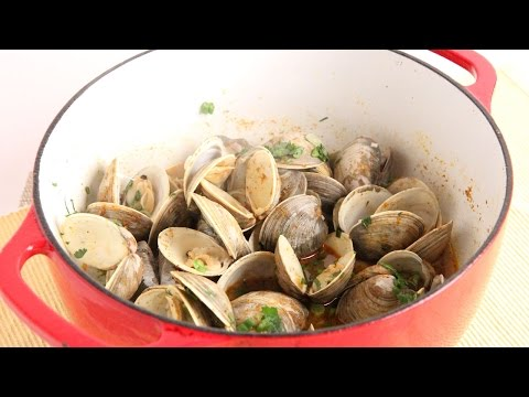 Thai Curry Clams Recipe – Laura Vitale – Laura in the Kitchen Episode 1009