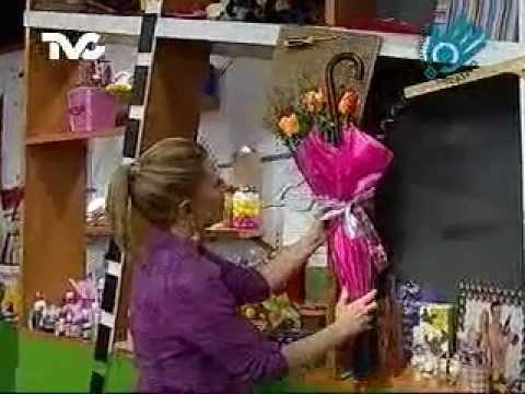C mo hacer un adorno con paraguas ec youtube for Mesas para jardin con sombrilla
