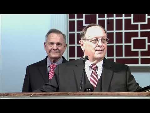 Man interrupts Roy Moore's speech at Baptist church in Theodore, Alabama
