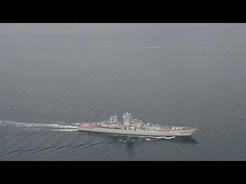 Kæmpestore russiske krigsskibe passerer Storebælt - Giant russian warships pass Great Belt Bridge