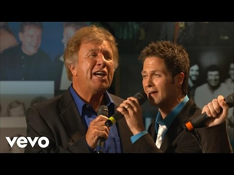 Bill Gaither, Wes Hampton, Marshall Hall, Guy Penrod - There Is a River [Live]