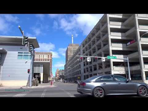 Street Scenes Of Downtown Syracuse, New York