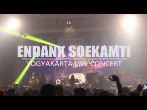 Endank Soekamti-Aku Gak Pulang (Live at SHOWCASE Yogyakarta 2016)