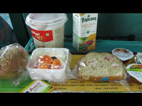 Gatimaan Express: Vegetarian Breakfast served on First AC Chair Car!