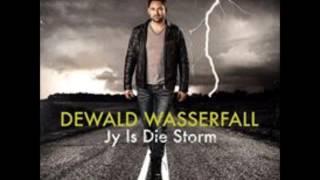 Dewald Wasserfall kuier by Quentin Venter Op Kantoor Sep 2016