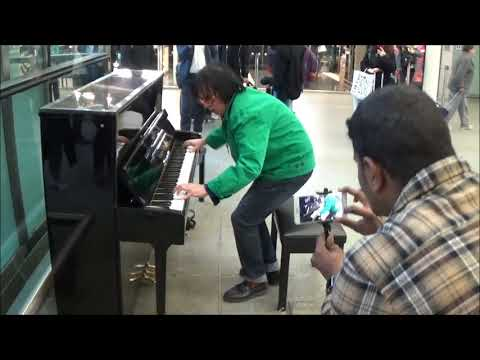 EXPLOSIVE PIANO PERFORMANCE - GREAT BALLS OF FIRE