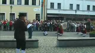 Aufmarsch zum Marktplatz / Schützencompagnie Alte Büchs'n Waldmünchen marching