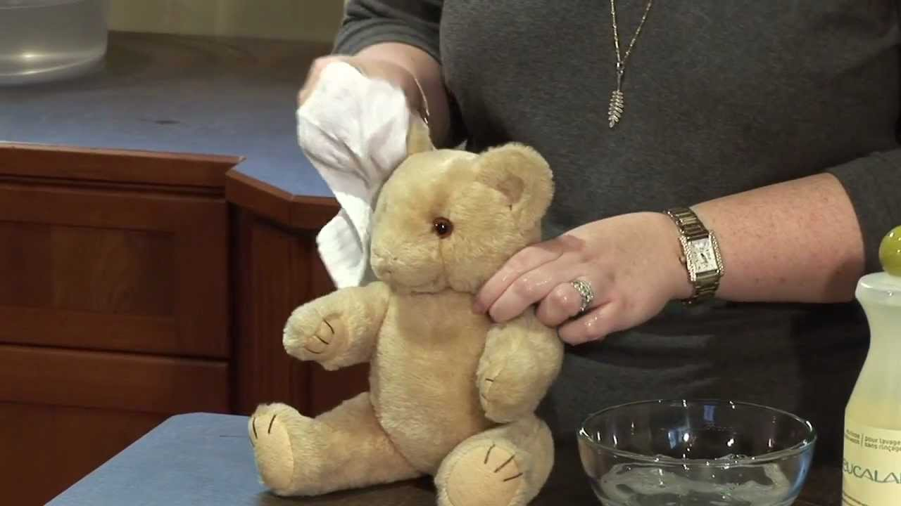 how to wash a vintage teddy bear youtube. Black Bedroom Furniture Sets. Home Design Ideas