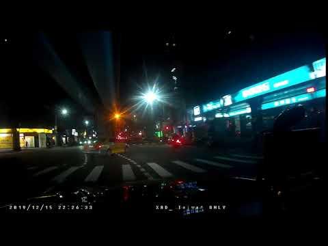 計程車闖紅燈