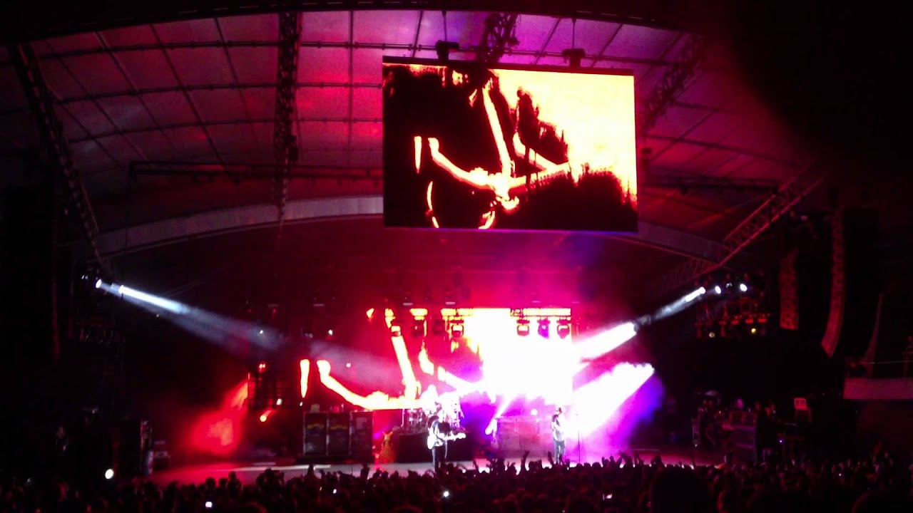 blink 182 first date live melbourne 2013 youtube