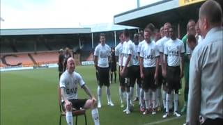 Behind-the-scenes: Lee Hughes pulling faces