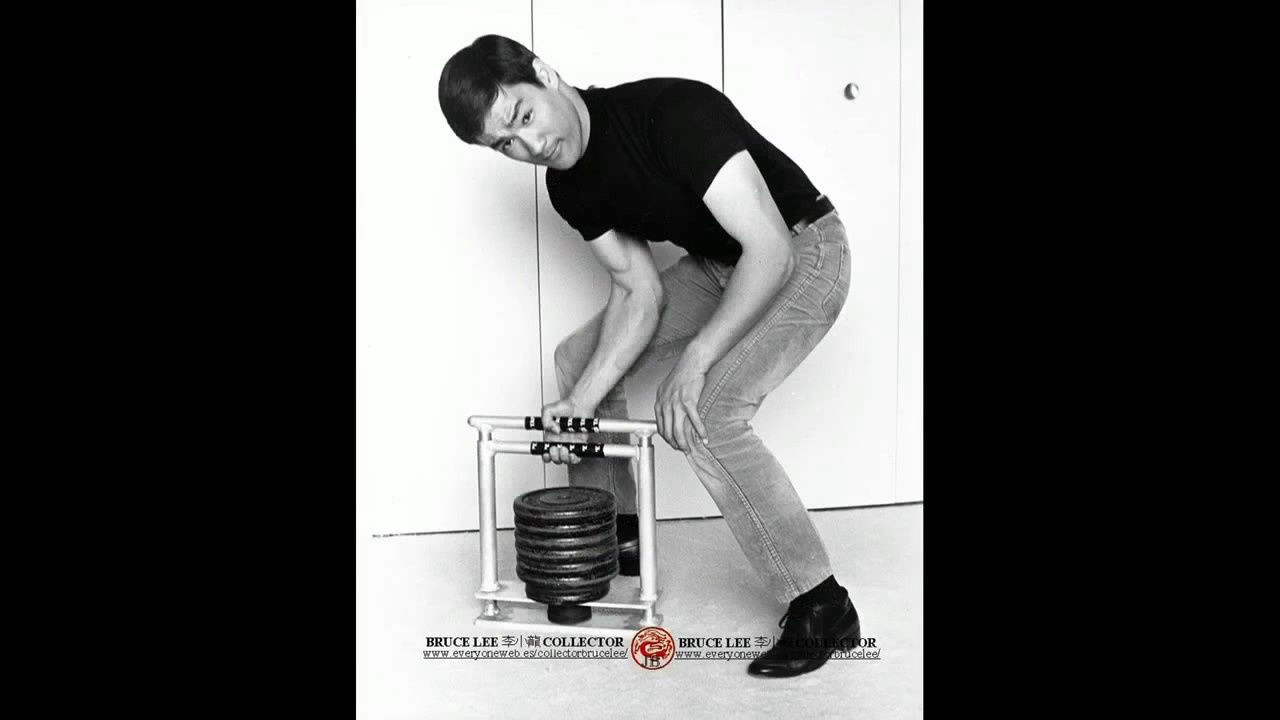 Download Bruce Lee forearms workout