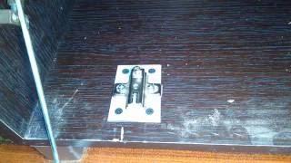 Ремонт вырваной петли в шкафу из ЛДСП