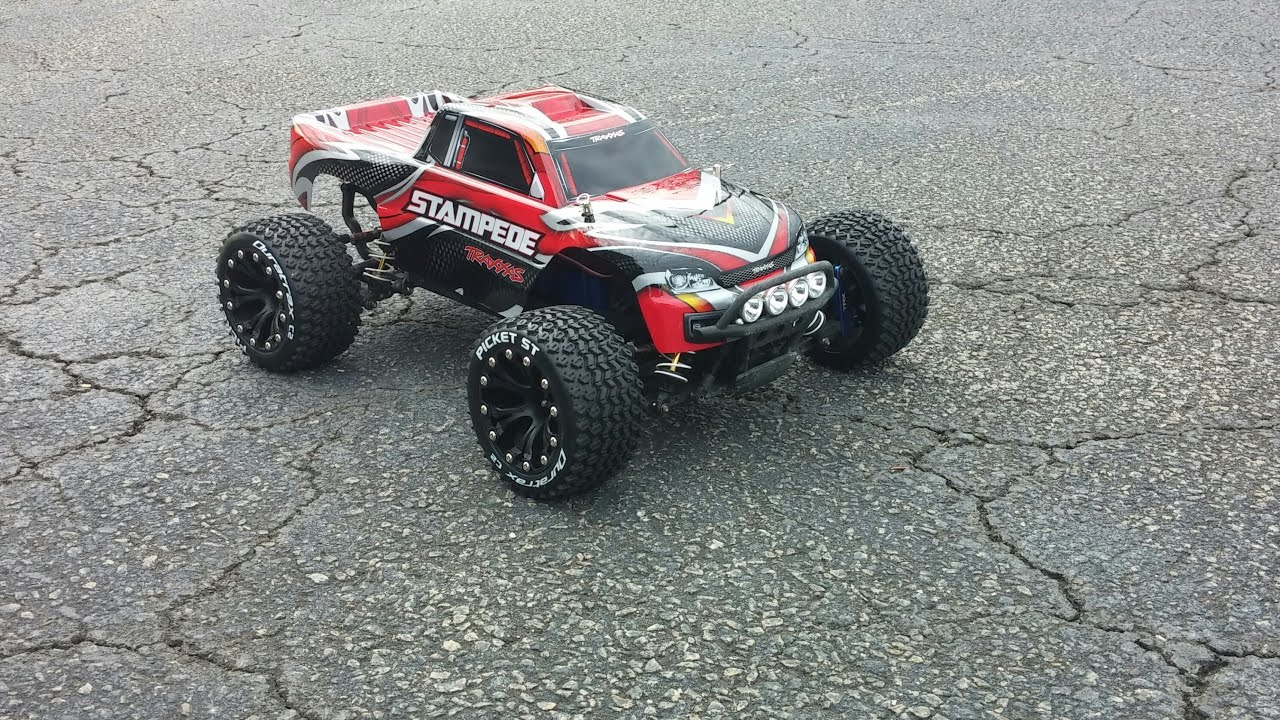 Traxxas stampede 4x4 vxl run with Duratrax Duratrax Picket Tires Wheels
