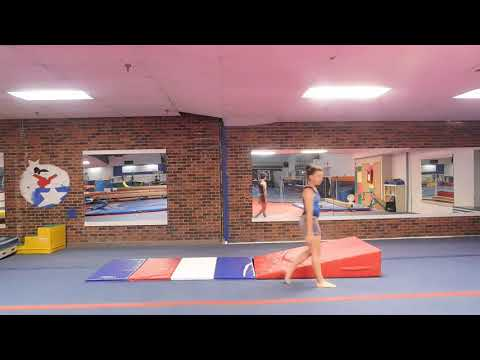 F3 - FLOOR  - 03 - backward roll with slope with straight arms to table top