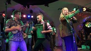 17 Hippies - Saragina Rumba (2/17)