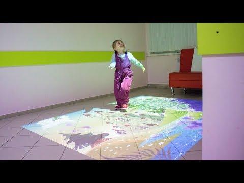 В ожидании приёма к врачу в детской поликлинике Лангепаса «оживляют» картины
