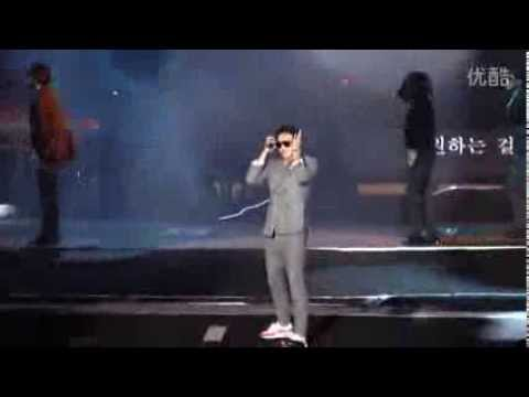 """140802 RAIN at Jackie Chan's """"A Career of 100 Films"""" Concert"""