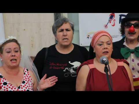 El Taller de Teatro canta 'Un velero llamado Libertad' en Radio Salobreña
