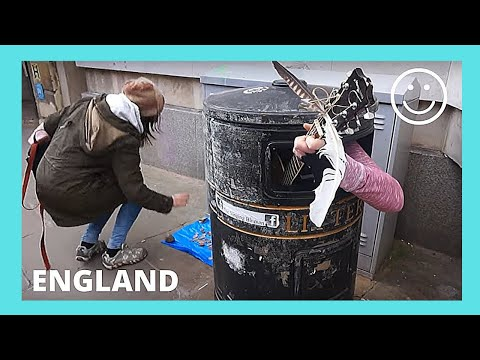 FUNNY!! CAMBRIDGE, street performer singing from inside a GARBAGE CAN  (ENGLAND)