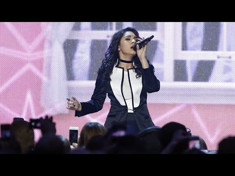 "Alessia Cara ""Wild Things"" - Live at The 2016 JUNO Awards"