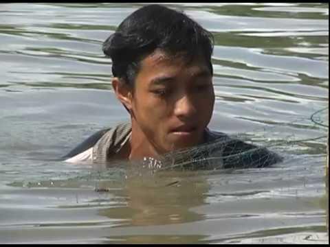 """Nguyễn Văn Linh -  """"Đi trên hai tay vẫn mỉm cười nhân ái"""""""