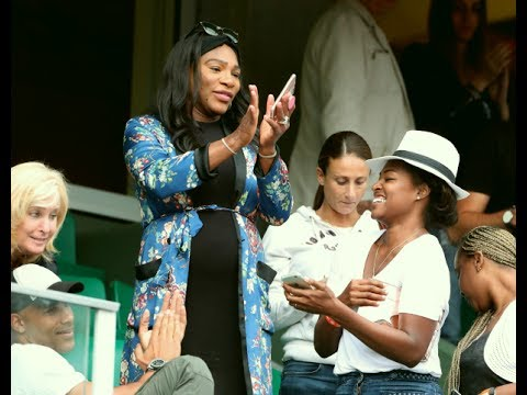 Serena Williams's sister Venus cheers in French Open final