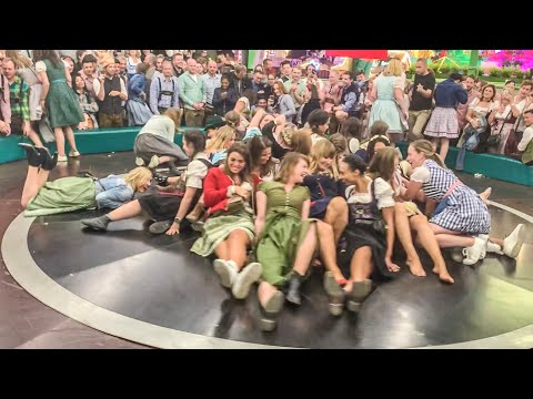 crazy-girls-/-oktoberfest-münchen-2019-/-1.-wiesn-tag-/-damenfahrt-teufelsrad-/-bierfest-/-big-party