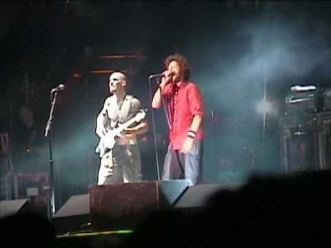 Rage Against The Machine - Ashes In The Fall (Live in Chicago 2008)