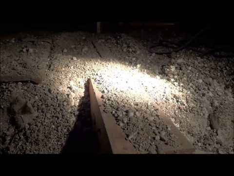 vermiculite-insulation-containing-asbestos-(dangers-and-warnings)
