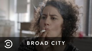 Ilana's Missing Remote | Broad City