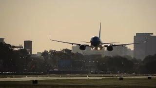 Vuelo rasante del 737-8 de Aerolíneas Argentinas LV-FVN