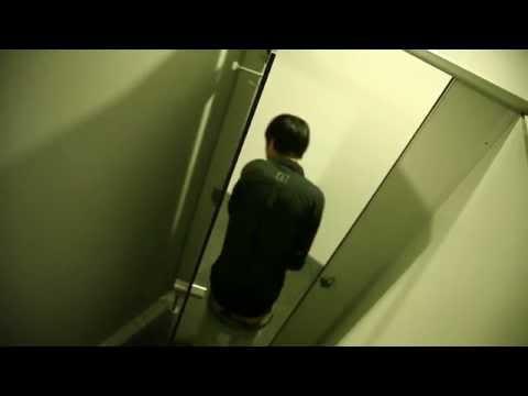 phim ngắn Bởi Vì Em Là... Chiếc Bồn Cầu