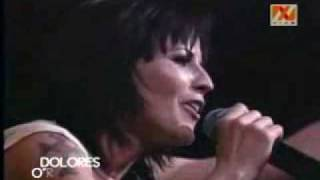 Dolores O'Riordan   Accept Things Live in Chile