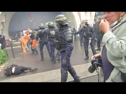 شاهد: اشتباكات بين الشرطة ومتظاهرين بباريس