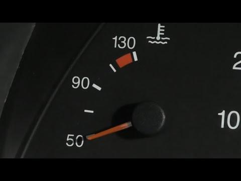 Стрелка температуры не двигается. В чём причина ,в датчике или в щитке приборов автомобиля.