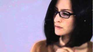 http://www.angela-aki.com/ ユニクロ「メリノセーター」TVCMソング。 ...