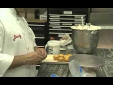 How To Make Cannolis Cake Boss