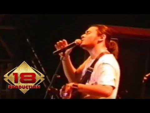 Ello - Kisah Kita Tlah Usai  (Live Konser Bandung 05 November 2005)