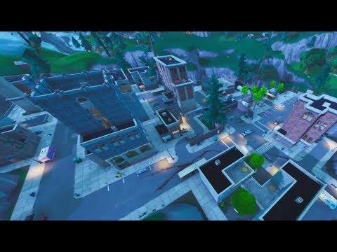 Fortnite / Tilted Towers (walkthrough)