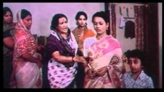 Chitchor - Aaj Sagai Hai - Amol Palekar & Zarina Wahab - Classic Bollywood Movie Scenes