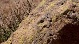 Аборигены Австралии оберегают загадочные камни (новости)(http://ntdtv.ru/ Танец австралийских аборигенов у загадочного и особого для них места. Предназначение камней,..., 2016-01-27T12:46:06.000Z)