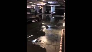 Течь с потолка паркинга Рогожский вал 13 к.2(, 2015-11-13T06:39:20.000Z)